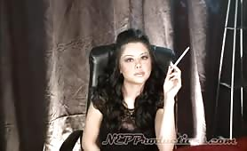 Smoking Fetish Renae Cruz at Dragginladies
