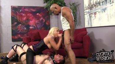 Leya Falcon in a rude cuckolding game