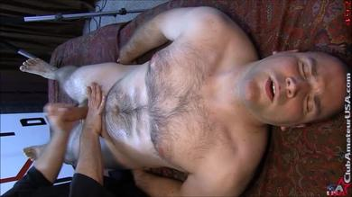 <p>Guy gets his member massaged at Club Amateur USA</p>