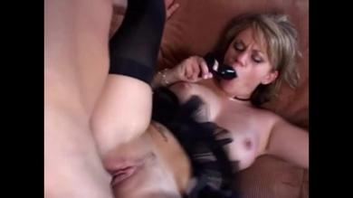 <p>Blond milf Alex Divine vagina screwing Using a butt plug Requires a member in booty</p>