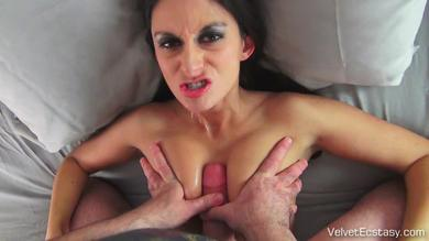 Nikki Daniels gives blow job and tit wank for cum