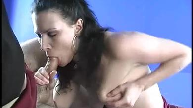 Mature brunette how smoking and sucking at the same time