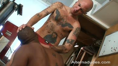 A great interracial gay scene