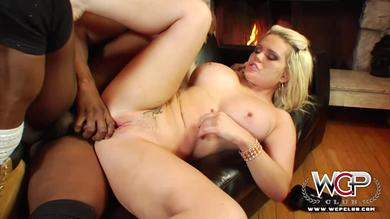 Cheating Wife Love the Black Cock