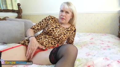 <p>Blond mature Camila rubs her vagina in solo play</p>