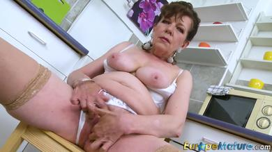 <p>Naughty mature Hana fingers her vagina in the kitchen SOLO</p>