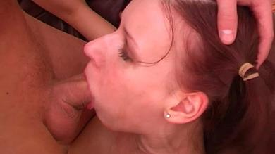 Sexy redhead babe in nice deepthroat action