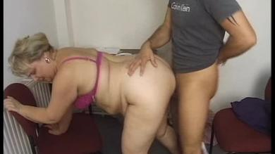 Fat babe fucked on the floor