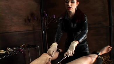 Mistress Lillian enjoys in a femdom game