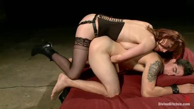 Maitresse teaches her pet