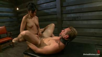 Beretta James and John Jammen in a femdom game