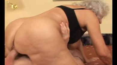 Mature granny having young cock to ride