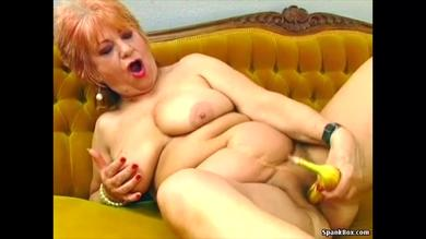 Fat german granny with huge boobs masturbates her pussy with a banana