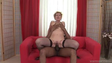 Franco Roccaforte is stretching Georgina T's wet pussy