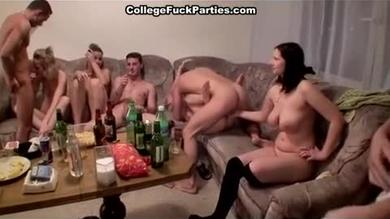 <p>Teenager group sex party</p>