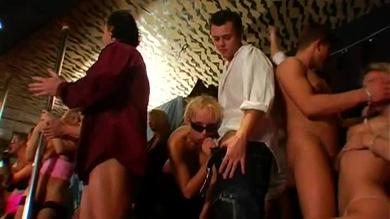 <p>Group sex orgy for dudes and sluts</p>