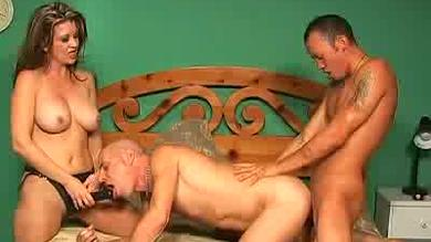 <p>Raquel Devine at a threeway with a strap on</p>