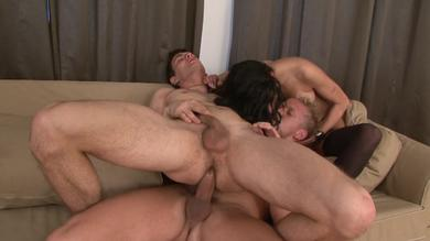 <p>Hardcore threeway on the couch</p>