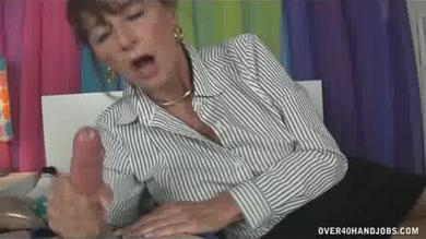 <p>Mother wakes up boyfriend Using a handjob</p>