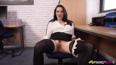 <p>Gorgeous Office slut Samantha Bentley Revealing her vagina in Upskirt</p>