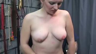 <p>Blondie penetrated rough by sex toys</p>