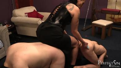 <p>Brunette mistress Dark Faye has strapon Intercourse with her BF slaves</p>