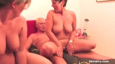 Horny mature German milf gets her cunt fucked deeply in groupsex