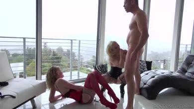 <p>Girls Allie James and Ash Hollywood screwing member</p>