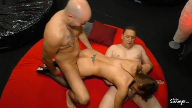 <p>Aged German chick Yvonne J. gets penetrated deep in MMF threeway</p>