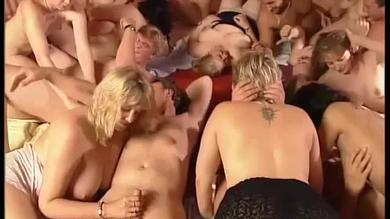 <p>Blond German Swingers sluts enjoys group sex</p>