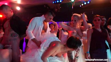 <p>Swinging Pornstars fuck, suck and Lick at this nightclub orgy</p>